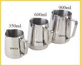 ミルクの水差しを泡立たせるステンレス鋼のミルクのコップ