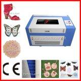 machine de découpage de gravure de laser du CO2 50W pour Farbic et PVC
