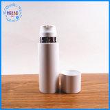 Bottiglia che impacca la bottiglia bianca dell'animale domestico della pompa senz'aria