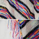 Les femmes frangent le poncho surdimensionné de chemise de circuit de V-Collet tricoté