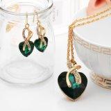 I monili di cristallo del cuore di amore di colore dell'oro hanno impostato per le donne