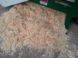 Máquina de madeira dos aparas do fundamento da biomassa horizontal