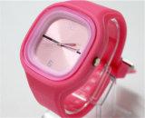 De Horloges van het Merk van de Kleding van yxl-976 Vrouwen van de Polshorloges van het Horloge van het Kwarts van het Silicone van de Gelei van de Manier van 2016 Toevallige