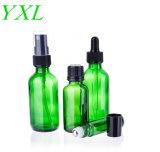 Bleu Vert et de bouteilles en verre clair de l'emballage cosmétiques huile essentielle de bouteilles avec compte-gouttes et le rouleau de balles et bouteilles de parfum du pulvérisateur