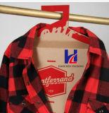 Shirt Box avec des vêtements Hanger