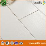Белой дубовой деревянный пол, плитки для набора глобальных дистрибьюторов