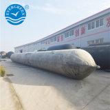 Морской резиновой подушки безопасности используются в Дубае судостроительный завод
