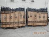 細工した造られた自動振動滑走の塀の私道の鉄のゲートの高い良質