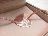 Braccialetto di rame d'ottone di figura del cuore della lamina di metallo dell'oro della Rosa per le donne di modo