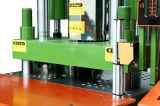ナイロンケーブルは縦の熱可塑性の管ヘッド射出成形機械を結ぶ