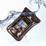 Plage de flottement protectrice nageant le sac imperméable à l'eau de téléphone cellulaire