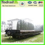 大きく、長い鉄道の無蓋貨車