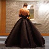 fuori dai vestiti da cerimonia nuziale su ordinazione di cristallo nuziali gonfi del raso dell'abito di sfera del nero della spalla Wd99