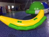 卸売価格のDophin水公園のための膨脹可能な水シーソーのおもちゃ