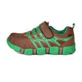 男の子および女の子のためのデザイン子供のスポーツの靴を冷却しなさい