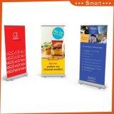 La visualizzazione di pubblicità su ordinazione standard rotola in su la bandiera per il Tradeshow