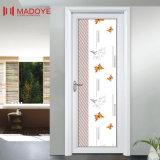 Puerta impermeable material del cuarto de baño de la decoración con el ornamento simple