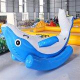 膨脹可能な水は卸売価格のDophin膨脹可能な水シーソー、膨脹可能なウォーター・スポーツのおもちゃまたはゲームをもてあそぶ