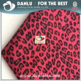 Tecido de pele de pêssego 100% com Leopard impresso para forro de vestuário