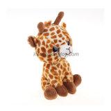 Animal mol se reposant de jouet bourré par giraffe mignonne de peluche avec de grands yeux