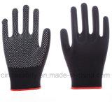 Многоточия PVC трудятся перчатки защитной безопасности работая