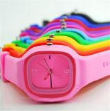 Yxl-985 de hete Dames van de Polshorloges van de Manier van de Verkoop Nieuwe Geen Horloge van het Kwarts van de Sport van de Gelei van het Horloge van het Silicone van het Merk van het Bergkristal voor de Mannen van Vrouwen