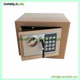 Grüner Stahlschlüssel und elektronischer Eingabe-Safe-Kasten