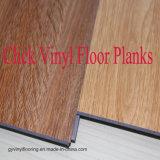 De binnen Houten Korrel van de Decoratie klikt de VinylBevloering Lvt van Planken