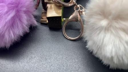 Faux Fur Pompom Ball Keychain Keyring Soft Fluffy Handbag Pendant Key Chain 1pc
