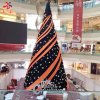 2019 Hot Products New Year Christmas Decoration Outdoor Waterproof IP 68 3D LED Lighting Large Metal Frame PVC Artificial Christmas Tree Wholesale Manufacturer