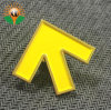 Yellow Arrow Metal Lapel Pin for Cloth Collar (xd-080)