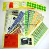 印刷はいろいろな種類のカラーラベルを包み、