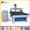 La gravure de la machine CNC routeur utilisé sur le travail du bois et de la publicité