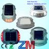 Angeschaltene LED-blinkende Straßen-Solarmarkierung zur Fahrbahn-Sicherheit