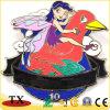 2つの蝶帽子が付いている人間および鳥のエナメルの折りえりPinの食糧金属のバッジ