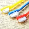 Weiche Plastikhundezahnbürste für Zahn-Reinigungs-Haustier-Zahnbürste