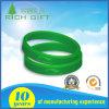 Wristband verde del silicone con il marchio di Debossed soltanto
