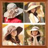 女性の大きいピーク帽子