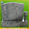 Monumentos verticais de granito cinza com vaso