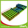 Libenは大人のために長方形の屋内トランポリン公園を使用した