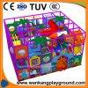 Speelgoed van de Speelplaats van het Park van de Speelplaats van jonge geitjes het Binnen Zachte (week-E924A)