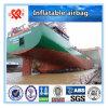 Remorquage des navires et bordure des airbags en caoutchouc marins