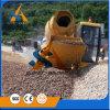 In het groot Concrete Machine Mixng met Self-Loading Schop