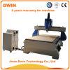 切断の木工業CNCのルーター機械を切り分ける木製品の広告