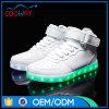 De Goedkope LEIDENE van de fabriek Lichtgevende Schoenen van Lichten met Kant op de Basketbalschoenen van de Nacht