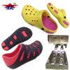 Les couleurs EVA Crocs de la mode deux de la Chine chausse le moulage par injection