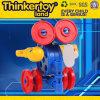 Thinkertoyland desenvolve Hans no brinquedo do enigma da habilidade
