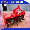 刈り株状になり、耕作のための広い刃Ptoのトラクターの耕うん機
