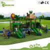 Campo de jogos ao ar livre de madeira engraçado do lazer do exercício da ginástica para o divertimento