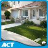 Erba artificiale resistente UV di colore verde di buona qualità per il giardino